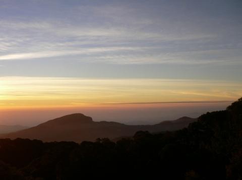 พระอาทิตย์ขึ้นบน ดอยอินทนนท์